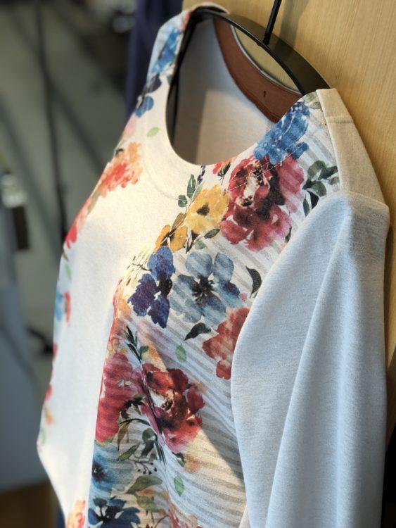 婦人服 春のファッション